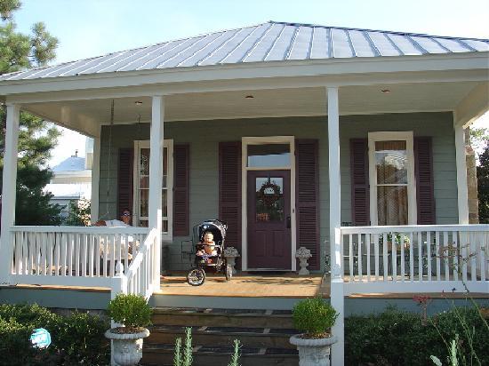 Gorham's Bluff: Maggie's Cottage