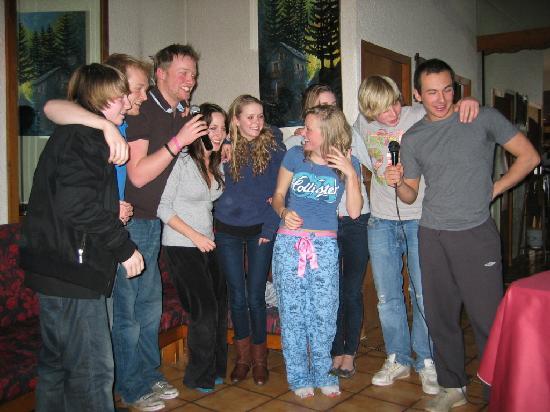 Brides-les-Bains, France: Boris' karaoke!