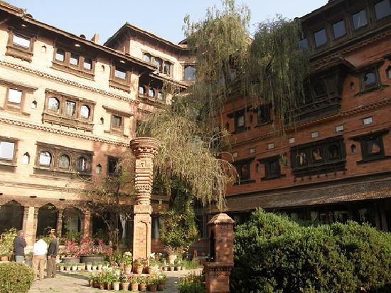 Dwarika's Hotel: courtyard