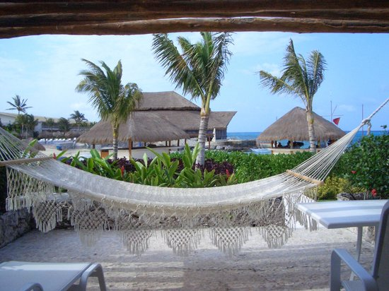 Presidente Inter-Continental Cozumel Resort & Spa: our beach side patio off our room