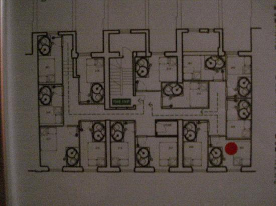 Floor plan small rooms one emergency exit picture of for Small hotel design plans