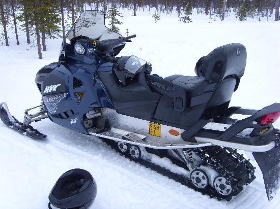 Lapland Hotel Saaga: Snowmobiling