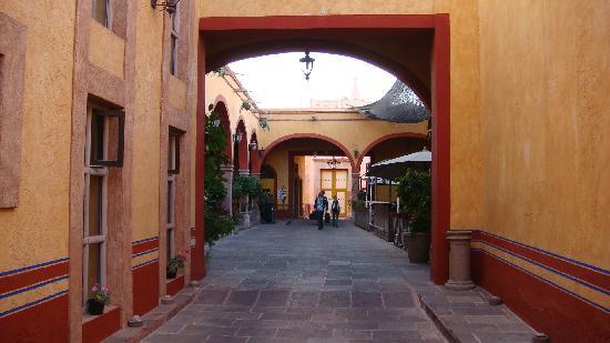 Hotel Quinta Santiago: L'entrée