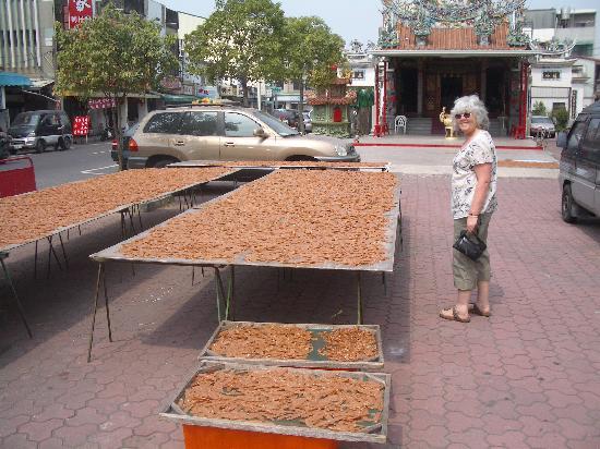 Taipung Suites: Tainan - Anping street with fish dryng