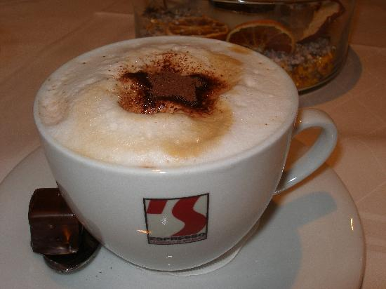 Best Western Plus Parkhotel Erding: Cappachino with breakfast