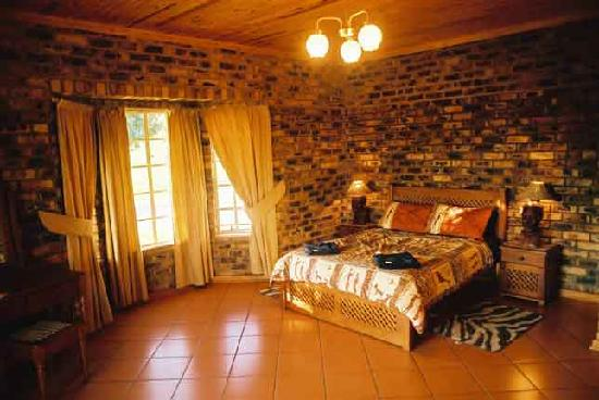 Thaba Tsweni Lodge & Safaris: Main bedrooms