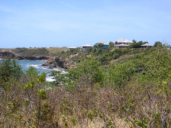 Paradise Bay Beach Resort & Spa: view of resort (8 houses) from neighbouring hill