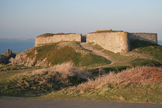 Guernesey, UK : Guernsey: Fort Pezeries