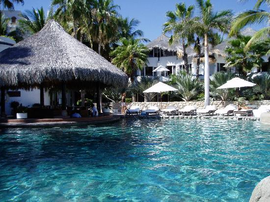 Club Cascadas de Baja: One of the two pools at Cascadas...NEVER full!