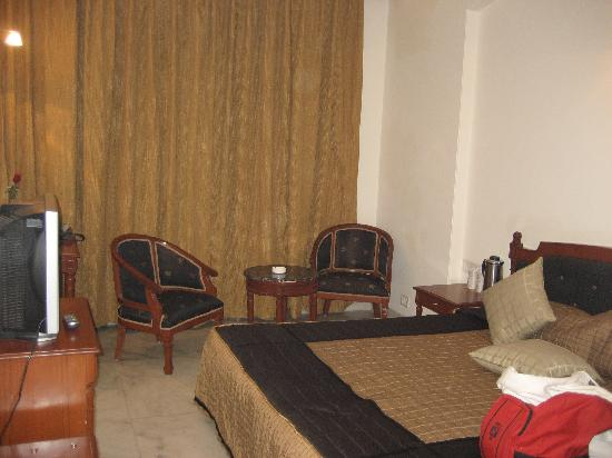 Hotel Grand President: room