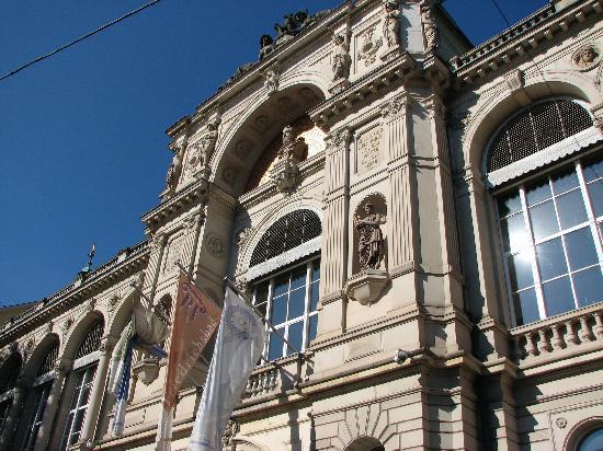 Friedrichsbad Römisch-Irisches Bad: Front Entrance