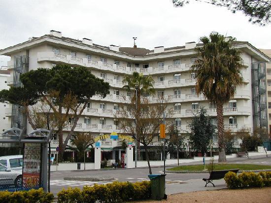ALEGRIA Fenals Mar: vue hotel savoy