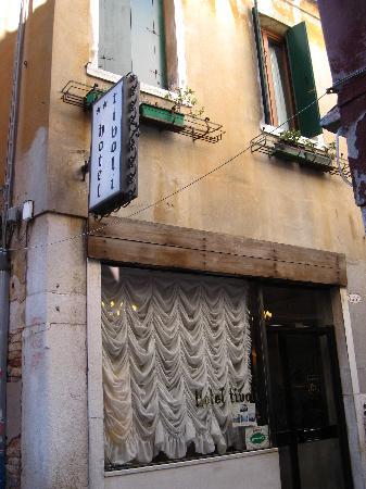 Tivoli Hotel entrance