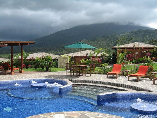Nayara Hotel, Spa & Gardens: Pool Area