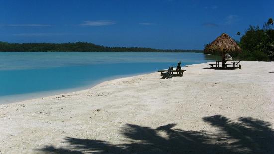 Inano Beach Bungalows: Beach facing north
