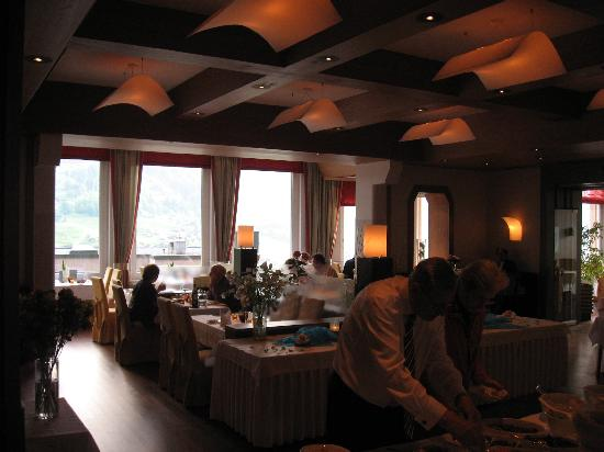 Belvedere Swiss Quality Hotel: Dining Room