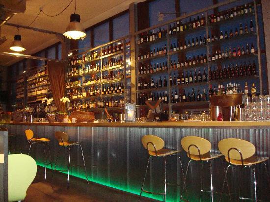 Amstel Botel: Bar in Kantine Restaurant