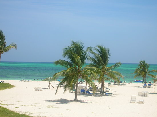 Isla Gran Bahama: The beach from our Gran Bhama resort