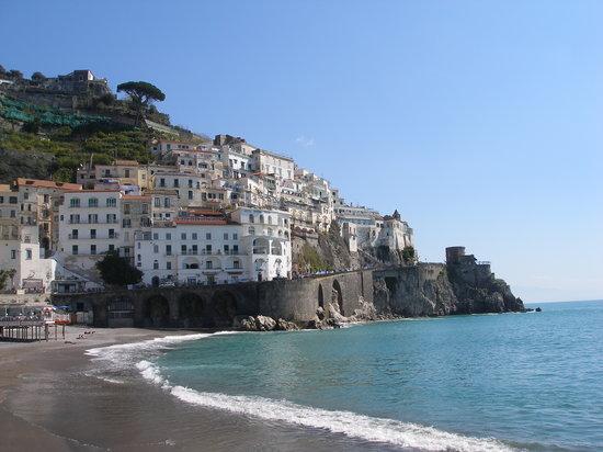 Amalfi, إيطاليا: Amalfi dal pontile