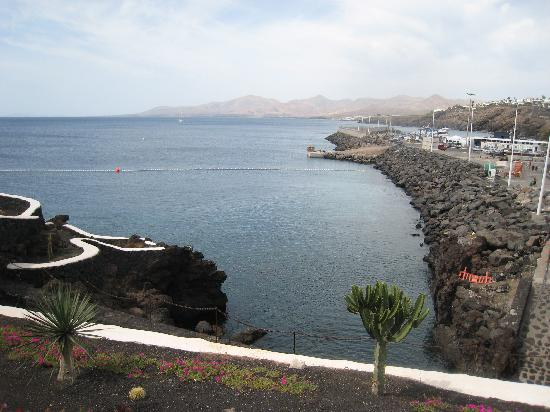 Old town cliff walk picture of puerto del carmen - Lanzarote walks from puerto del carmen ...