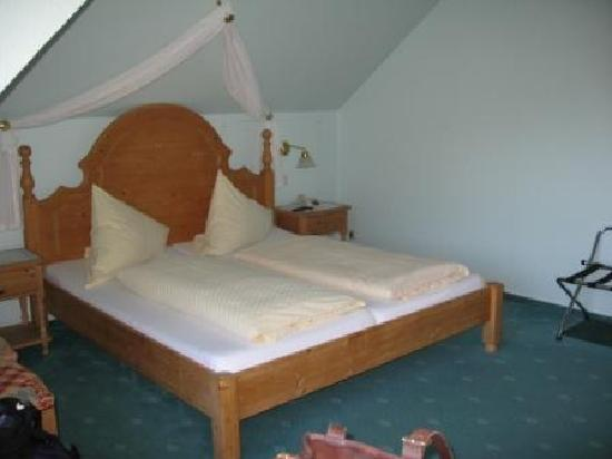 Villa Tummelchen: our room at the hotel