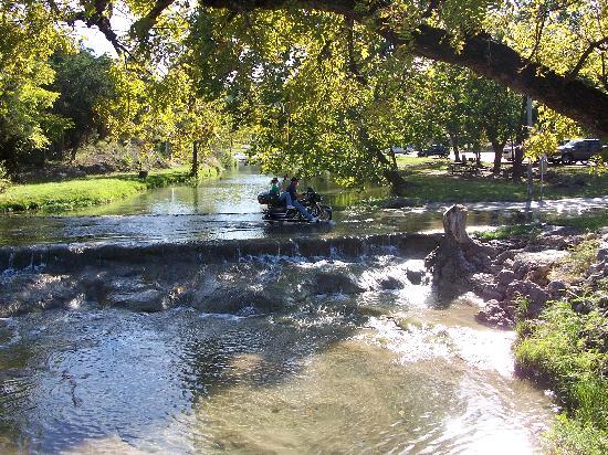 Turner Falls Park : River