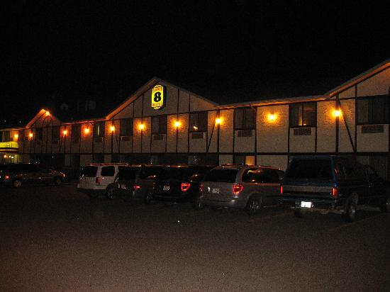 Super 8 Kamloops BC : super 8 kamloops