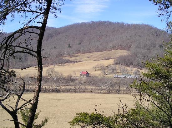 Meadow Lane Lodge & Cottages: Rewards await those willing to get out and hike.