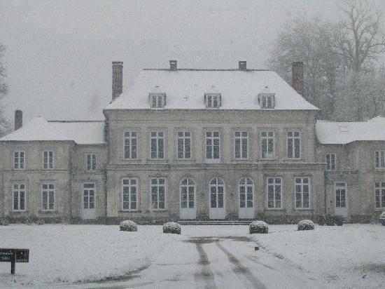 La Cour de Remi: The Chateau in the snow