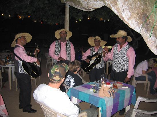 Hotel Susanthas: Music Band