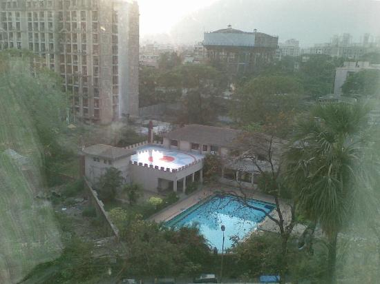 Hotel Satkar Residency: Room view - 5th Floor
