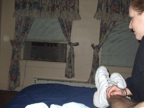 room 10 cassadaga hotel - Cassadaga Halloween