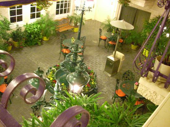 Inn at Venice Beach: courtyard