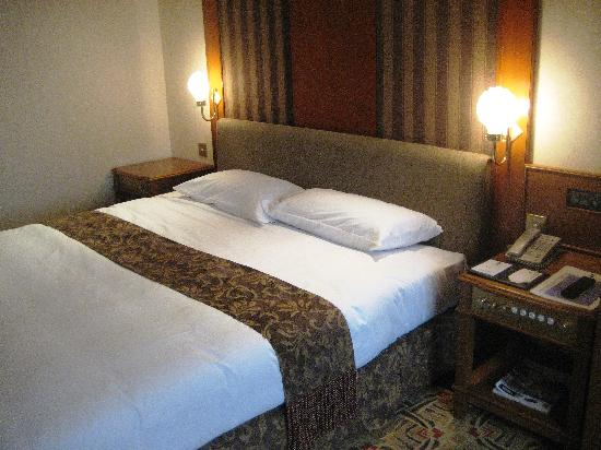 Hotel Sintra: Comfortable Bed