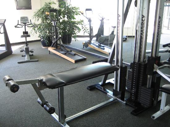 Ramada San Jose Downtown Near Convention Center : Fitness room