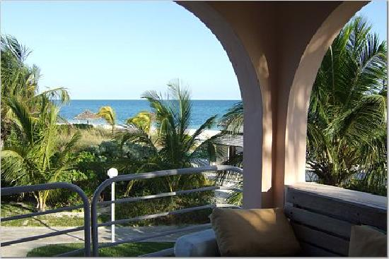 Taino Beach Resort & Clubs: view of beach from our balcony