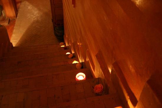 Riad Dalla Santa: Escalier éclairé