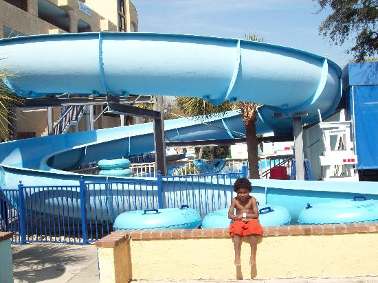 Sea Mist Oceanfront Resort: The slide at the water park!