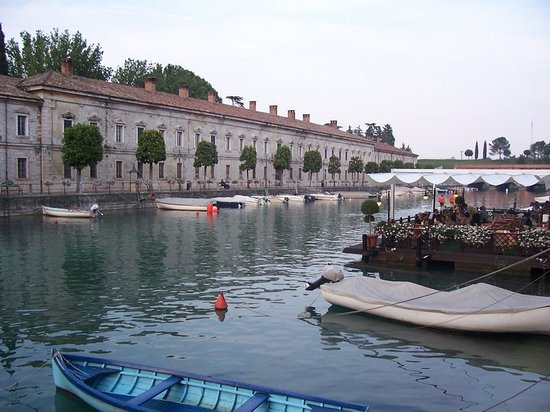 Restaurants in Peschiera del Garda: deutsch