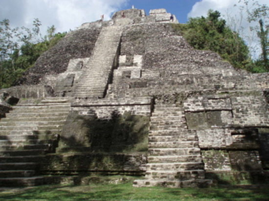 Belize: Lamanai - High Temple