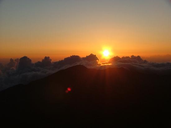 Haleakala Crater In Late Afternoon Looks Like Mars Picture Of - Sunrise looks like mars