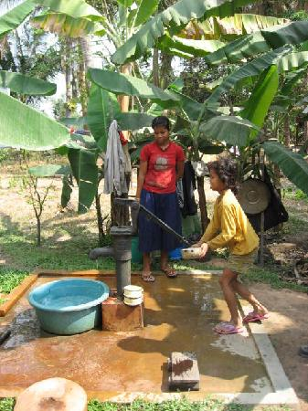Borei Angkor Resort & Spa: Village life