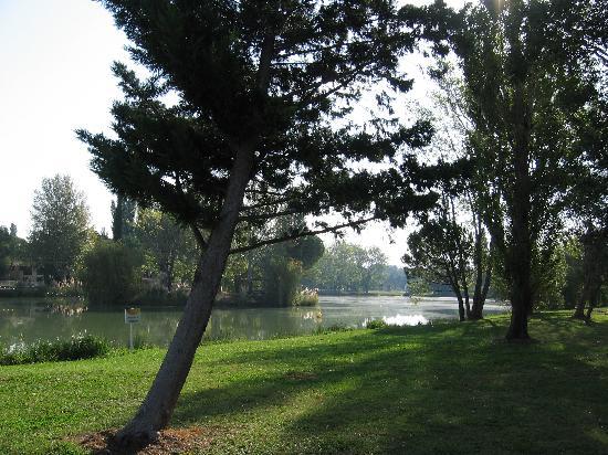 Apartamentos Maeva Club Mazets: view on the lake
