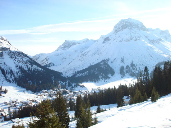 Lech, Autriche : view from outside the hotel