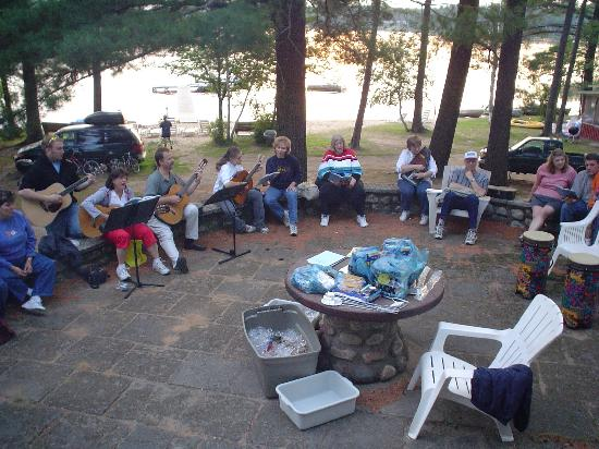 Holiday Acres Resort: A sing along at the weekly cook out. We didn't lead it, but it sure was fun.