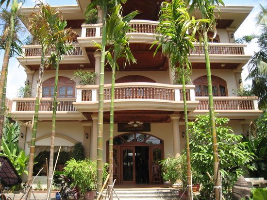 Golden Mango Inn: Front of the Hotel