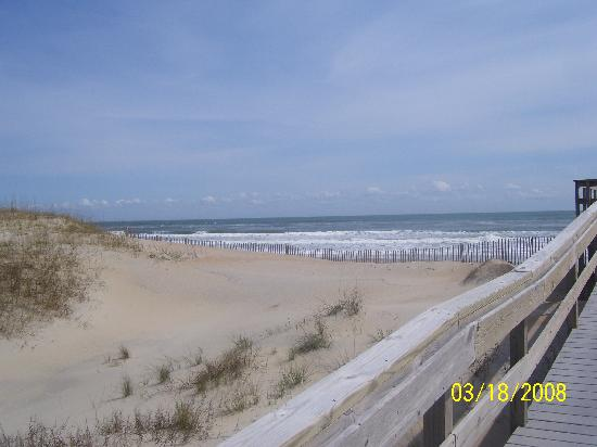 Dunes South: Walkway to the Beach