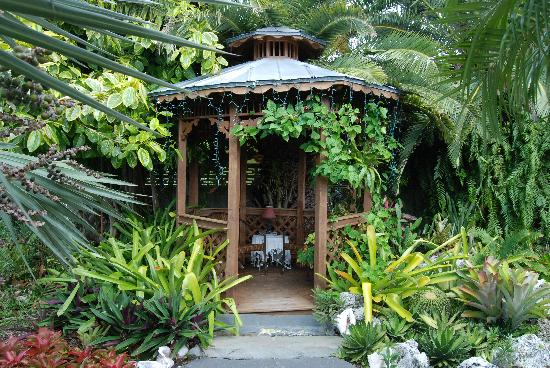 Atlantis House: Garden Nook