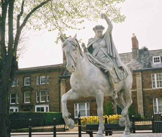 Banbury, UK : Fine Lady on a White Horse