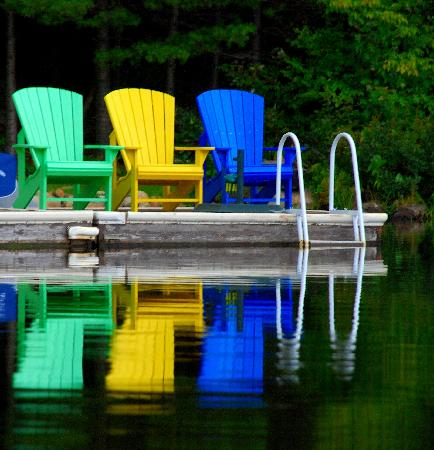 Muskoka District, Canadá: Muskoka Chairs: Waiting